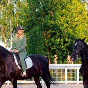 Катание на лошадях, романтический отдых отдых в загородном отеле ГРУМАНТ Resort & SPA, недалеко от Москвы, Тула, д. Грумант