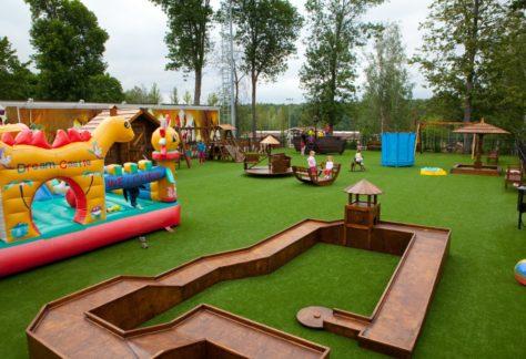 """Детская площадка """"Замок приключений"""" в загородном отеле ГРУМАНТ Resort & SPA"""
