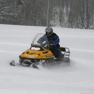 Снегоходы в загородном отеле ГРУМАНТ Resort & SPA, недалеко от Москвы, Тула, д. Грумант