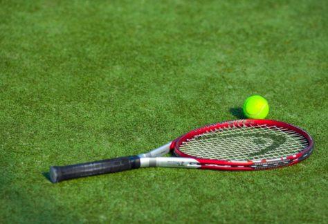 Теннисный корт в загородном отеле ГРУМАНТ Resort & SPA, недалеко от Москвы